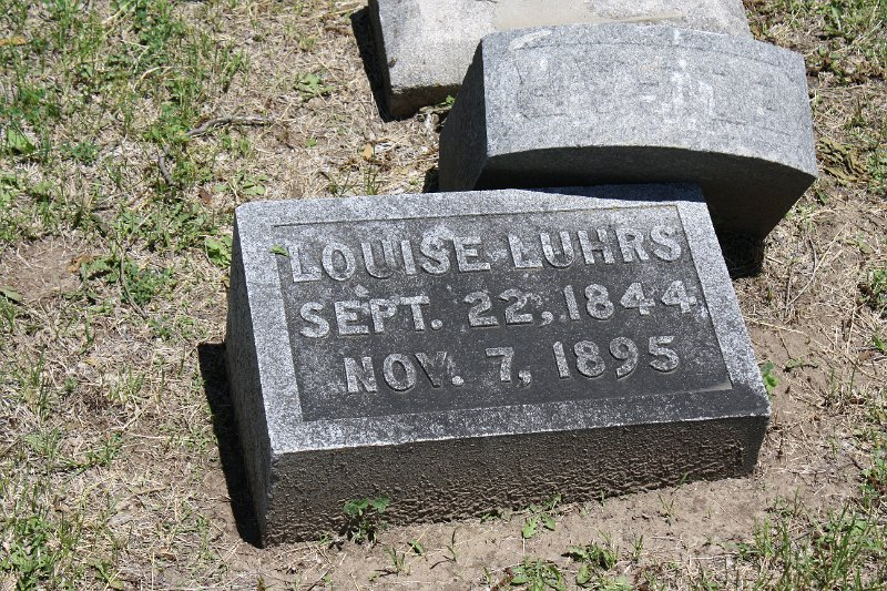 Louise LUHRS Grave Photo